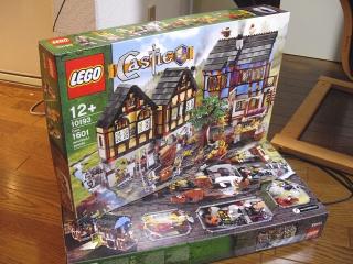 Lego10193_1
